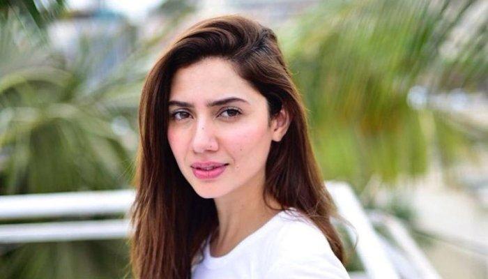 ماہرہ خان کو بھارتی ڈرامے میں کام کرنے کی خبروں پر تنقید کا سامنا