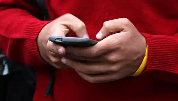 برطانیہ میں کورونا سے طرز زندگی تبدیل، بالغ افراد دن میں اوسطاً 3 گھنٹے 47 منٹ آن لائن رہنے لگے