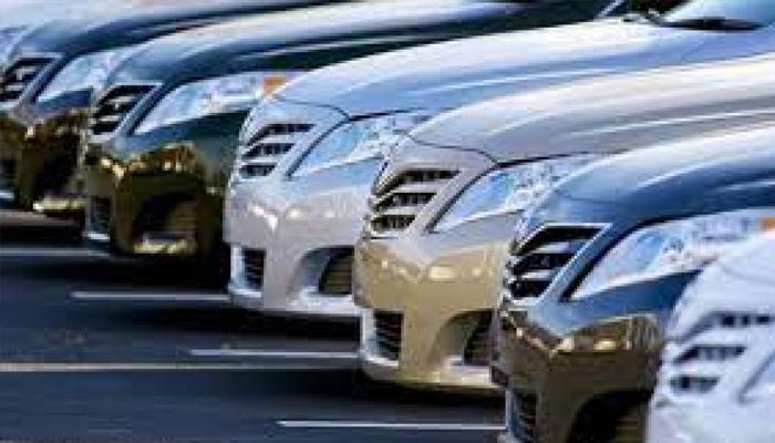 چھوٹی گاڑیوں پر ٹیکس چھوٹ کا فیصلہ اچھا ہے، عوام کی رائے