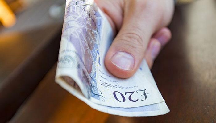 برطانیہ میں گزشتہ سال خریداری میں صرف 17 فیصد نقد رقم استعمال کی گئی