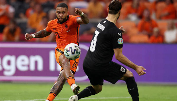 یورو فٹبال: نیدرلینڈ، بیلجئم  کامیاب