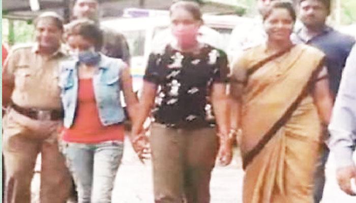 بھارتی شو کرائم پیٹرول کی دو اداکارائیں چوری کے الزام میں گرفتار