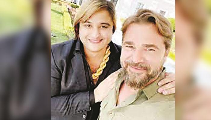 ترک اداکار انگین التان سے فراڈ کرنیوالا ملزم کاشف ضمیر ٹک ٹاکر گرفتار