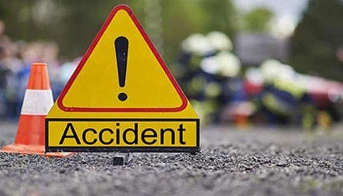ٹریفک حادثات میں سیکیورٹی گارڈ اور ایک شخص جاں بحق