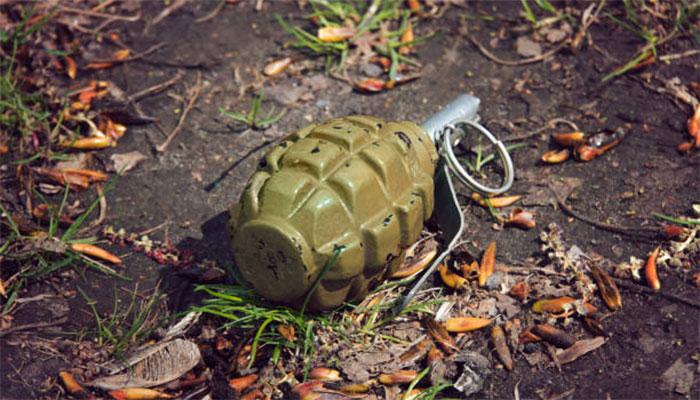 سچل کے علاقے میں خالی پلاٹ سے دستی بم ملا