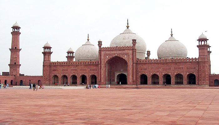 لاہور کی تاریخی بادشاہی مسجد والڈ سٹی اتھارٹی کے سپرد کرنے کا حکم