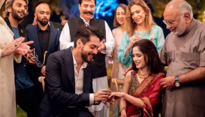 اداکار شہباز شگری اور گلوکارہ آئمہ بیگ نے باضابطہ طور پر منگنی کرلی