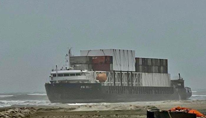 جہاز نکالنے کیلئے سولویج ماسٹر دبئی سے ٹگ کیساتھ آج کراچی پہنچے گا