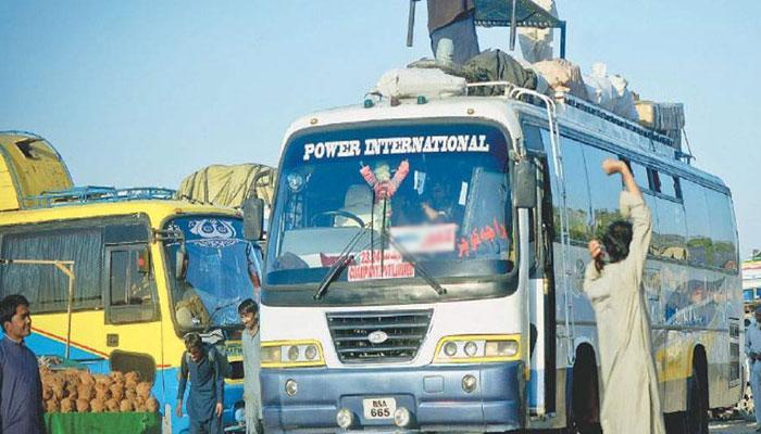 عید کو 6 روز گذرنے کے باوجود کراچی تا حیدرآباد جانے والی مسافر گاڑیوں میں زائد کرائے کی وصولی جاری
