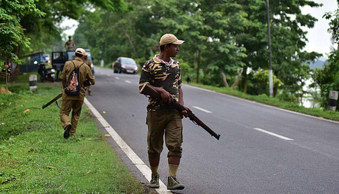 بھارتی ریاستوں کے درمیان سرحدی تنازع پر گولیاں چل گئیں، 6 پولیس اہلکار مارے گئے