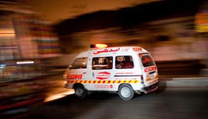 سپرہائی وے ٹول پلازہ کے قریب ٹریفک حادثے میں نامعلوم شخص جاں بحق