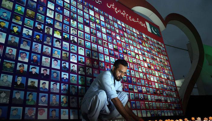 سندھ پولیس کے تحت یوم شہداء پر تقریبات