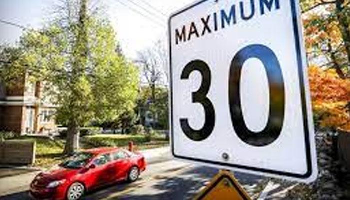 تیز رفتاری کیخلاف ''دی لمٹس سیو لائیوز'' کمپین میں نوجوان ڈرائیور توجہ کا مرکز