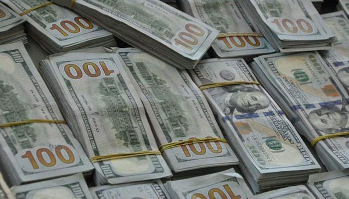 ڈالر ملکی تاریخ کی بلند ترین سطح پر،اسٹاک مارکیٹ میں بھی مندی