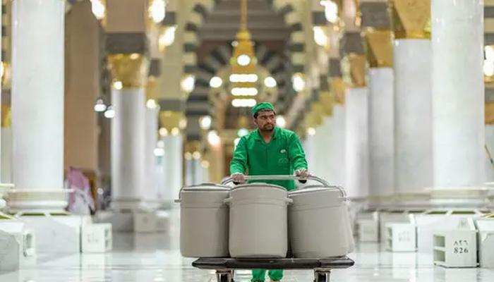 مسجد نبویﷺ : ڈیڑھ برس سے زائد عرصے بعد آب زمزم کے کولروں کی واپسی