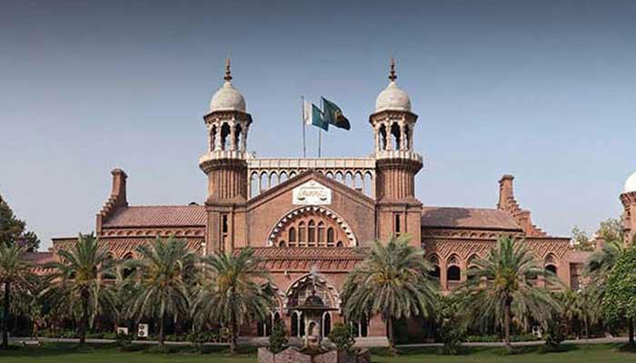 لاہور ہائیکورٹ، توہین عدالت کی درخواست پر چیف سیکرٹری پنجاب سے جواب طلب