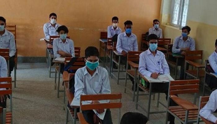 پنجاب اور خیبرپختونخوا میں 50 فیصد حاضری کیساتھ اسکول کھل گئے