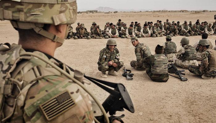 واشنگٹن اپنی غلطیوں کا الزام افغانوں پر نہ لگائے، امریکی جریدہ