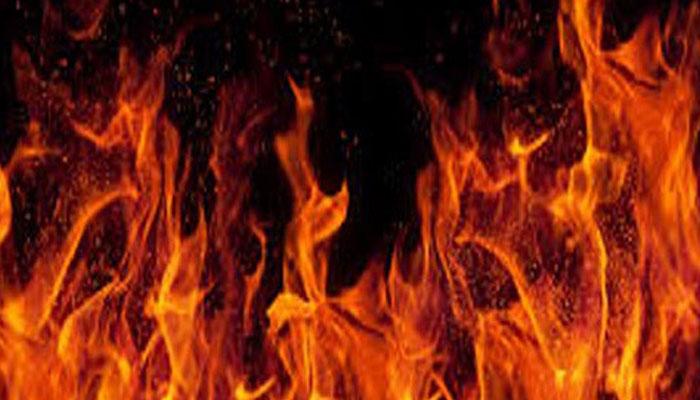 یونیورسٹی روڈ، آگ لگنے سے ریسٹورنٹ خاکستر، جانی نقصان نہیں ہوا
