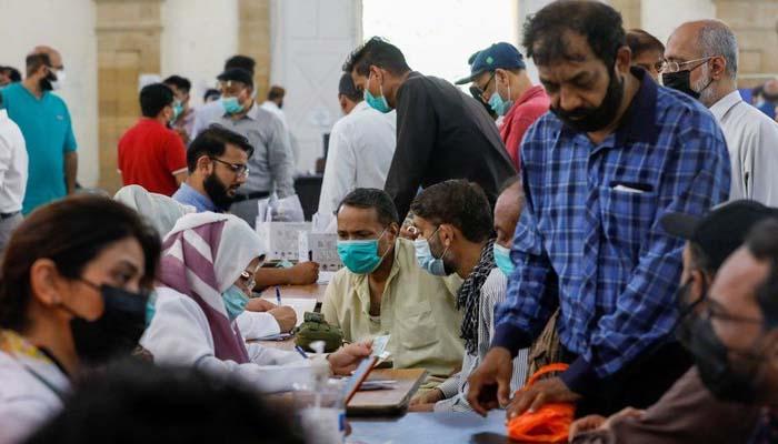 سندھ، کورونا ویکسین کی 59ہزار سے زائد خوراکیں ضائع ہونے کا انکشاف