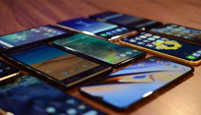 پاکستان نے فور جی اسمارٹ فونز کی برآمد شروع کردی