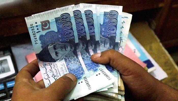 جولائی اگست میں پاکستان نے 382 ارب روپے سے زائد کا بیرونی قرض لیا