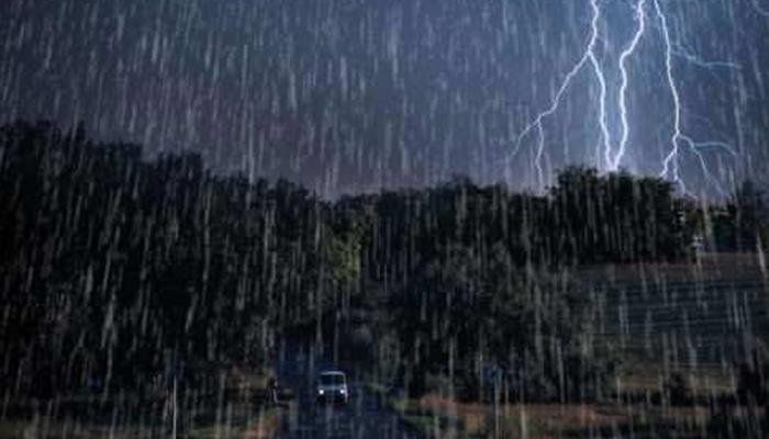 صحرائے تھر میں گرج چمک کیساتھ بارش، آسمانی بجلی گرنے سے5 ہلاک