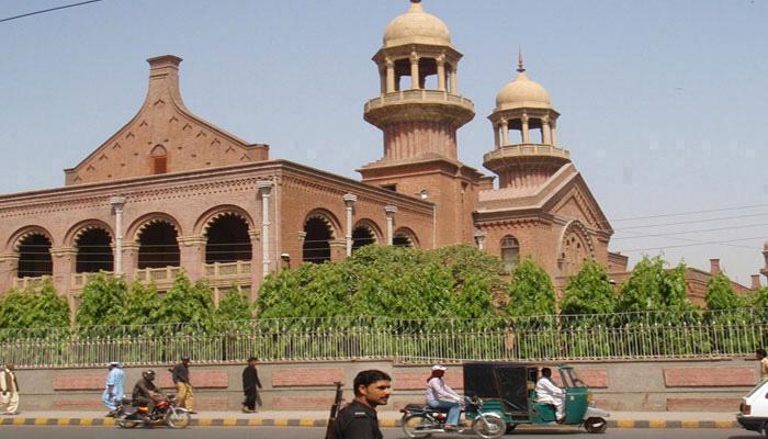 لاہور ہائیکورٹ، توہین عدالت کی درخواست پر PMC عہدیدار ذاتی حیثیت میں طلب