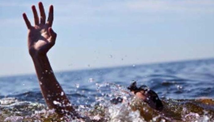 سمندر میں نہاتے ہوئے 2 نوجوان ڈوب گئے