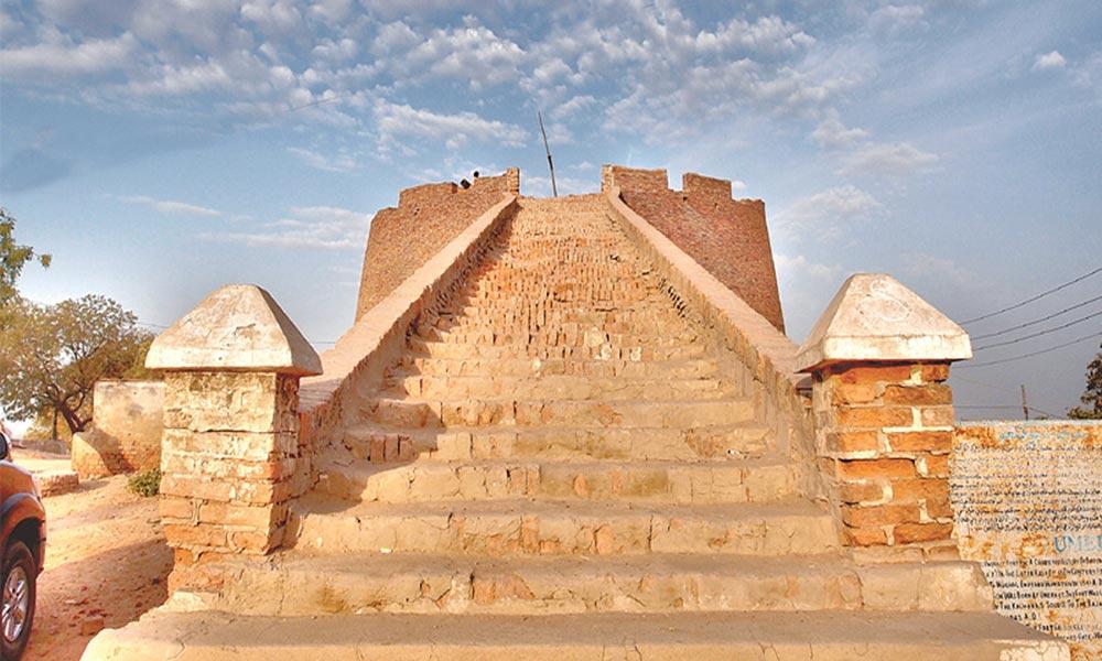 دورِ اکبری کی یادگار ''عمر کوٹ''