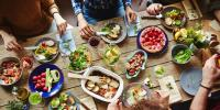 ناجائز آمدنی والوں کے ہاں کھانا پینا جائز ہے ؟