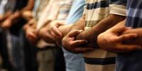 دفتر میں نمازِ قصر بنتی ہے یا مکمل؟