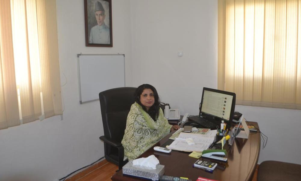 سعودی عرب کے پاکستانی قونصل خانے میں پہلی خاتون قونصلر