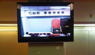 مسجد میں ٹیلی ویژن رکھنا جائز ہے؟