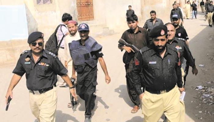 کومبنگ آپریشن درجنوں افراد گرفتار، اسلحہ برآمد