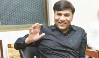 سروسز اسپتال، لاہور کے شعبہ انتہائی نگہداشت کے کنسلٹنٹ، ڈاکٹر محمد جاوید احمد سے خصوصی بات چیت