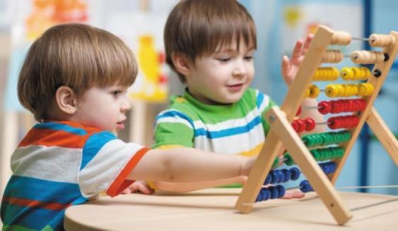 بچے غلطیوں سے سیکھ کر با اعتماد بنتے ہیں