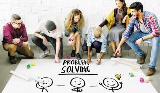 تنقیدی و منطقی سوچ بڑھانے کے 6 مراحل