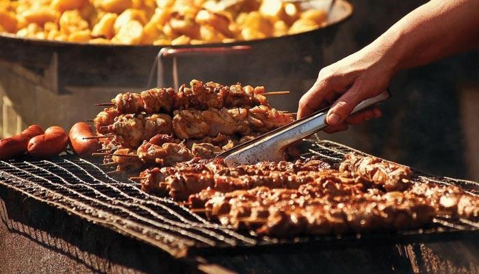 باربی کیو کے چٹخارے دار مزے جو کھائے گا، بھول نہیں پائے گا