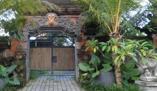 گھر کے داخلی راستے کو خوبصورت بنائیں