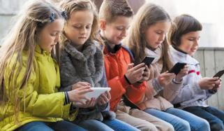 ڈیجیٹل ٹیکنالوجی کے بچوں پر اثرات