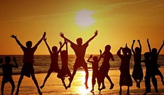 سیاست اور جمہوریت سے نسل نو کی وابستگی خوش آئندہ ہے