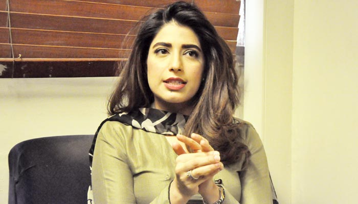 جیو نیوز کی باصلاحیت، خوش مزاج اینکر، علینہ فاروق شیخ کی باتیں