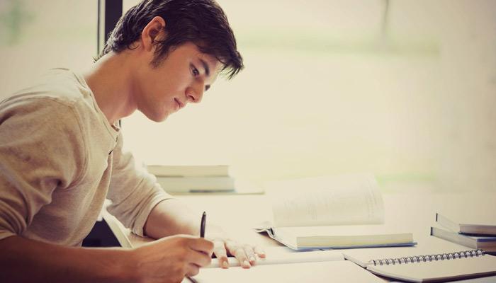 پڑھائی پر توجہ.... مگر کیسے؟