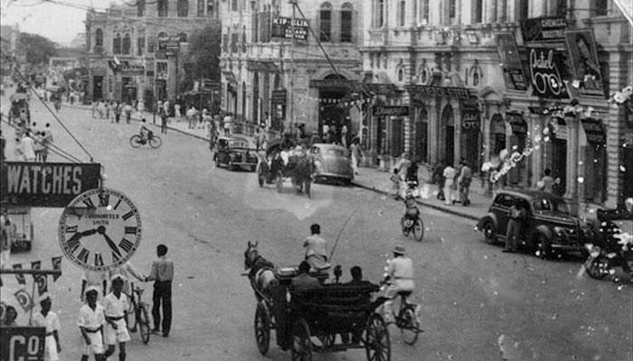 ماضی کی خوب صورت سڑک، حال کی مصروف ترین تجارتی مرکز ''زیب النساء اسٹریٹ''