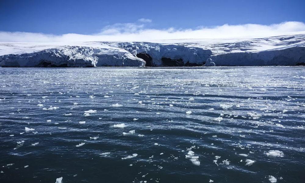 انٹارکٹیکا کی پگھلتی برف