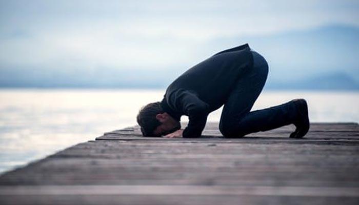 کیا شراب لگے کپڑوں میں نماز ادا کی جاسکتی ہے؟