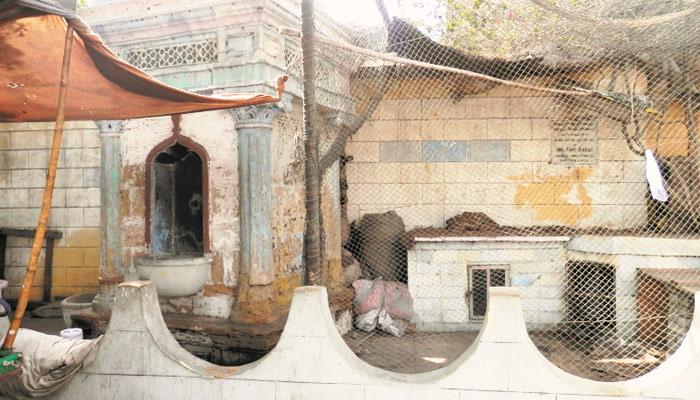 کراچی کے درخشاں ماضی کے پیاؤ اب کھنڈر بن چکے ہیں