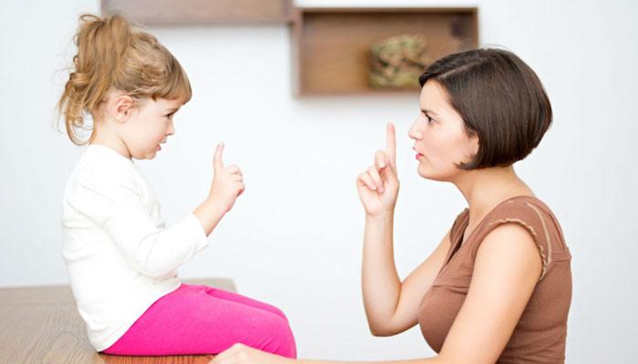 بچے جھوٹ کیوں بولتے ہیں؟ قصور وار والدین یا ماحول