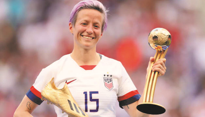 خواتین ورلڈ کپ فٹبال امریکی کپتان اور کوچ کیلئے تاریخ ساز بن گیا